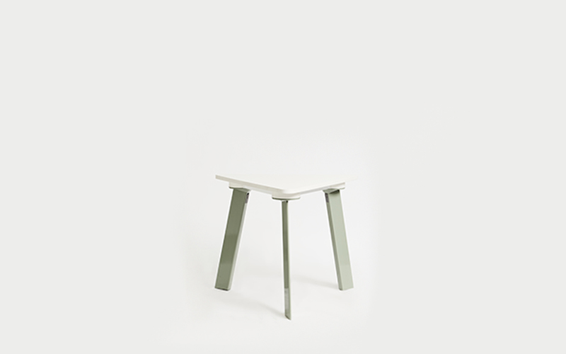 Blade Triangle Table